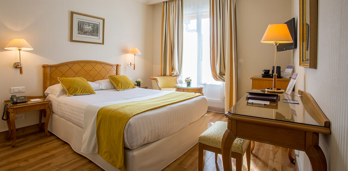 Economy double room in yellow